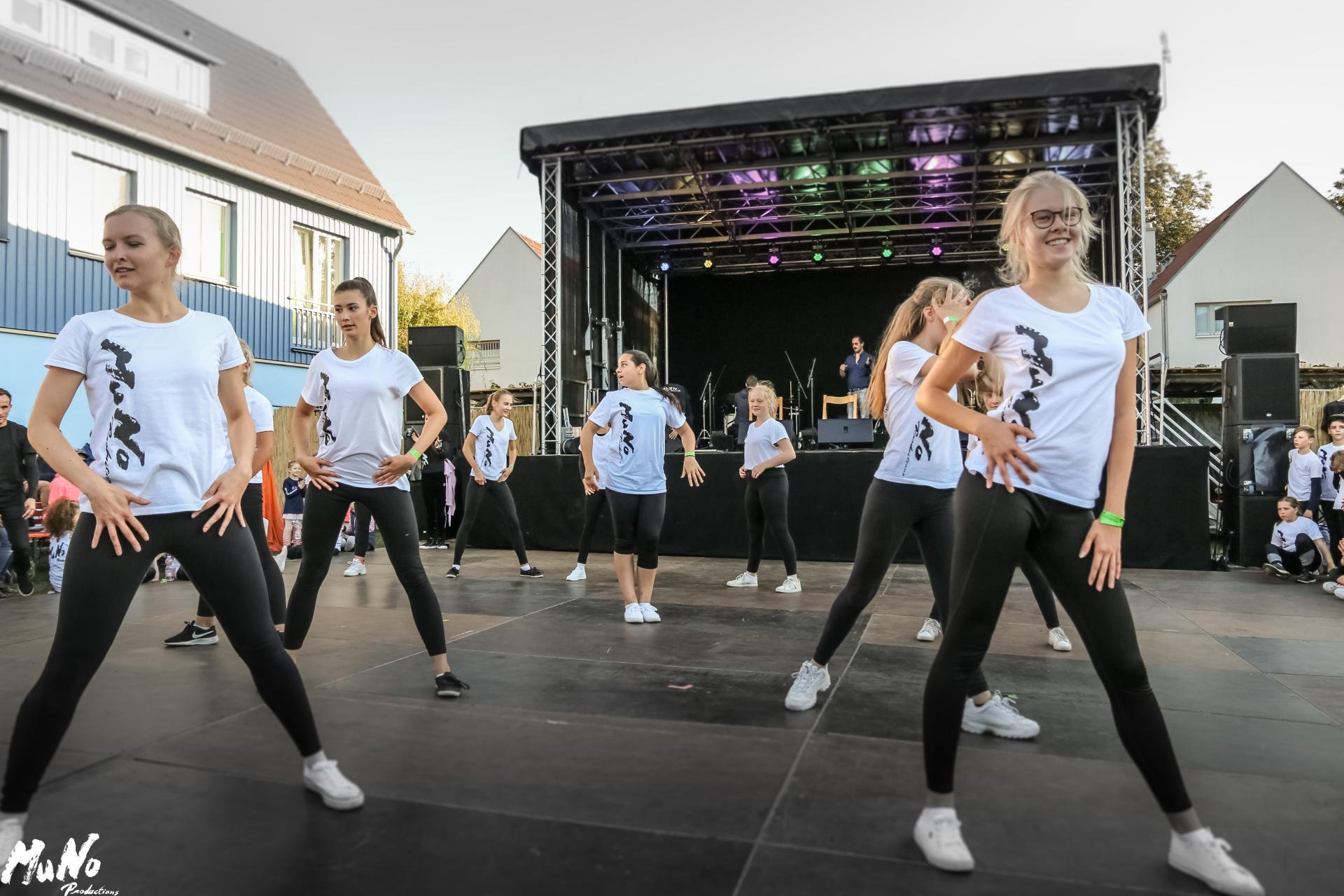 MuNo-DanceStudio Weinfest 2019 (16)