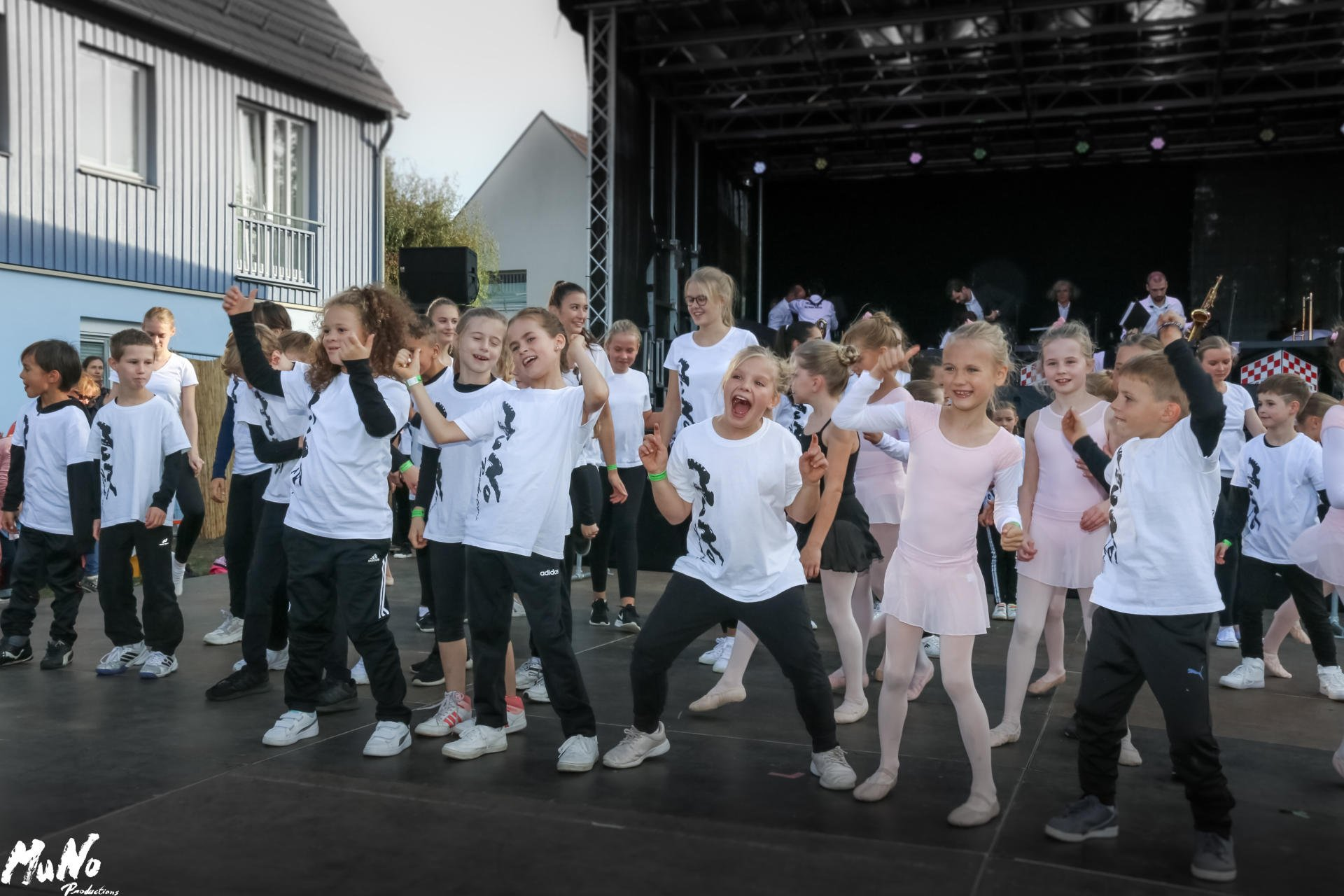 MuNo-DanceStudio Weinfest 2019 (7)