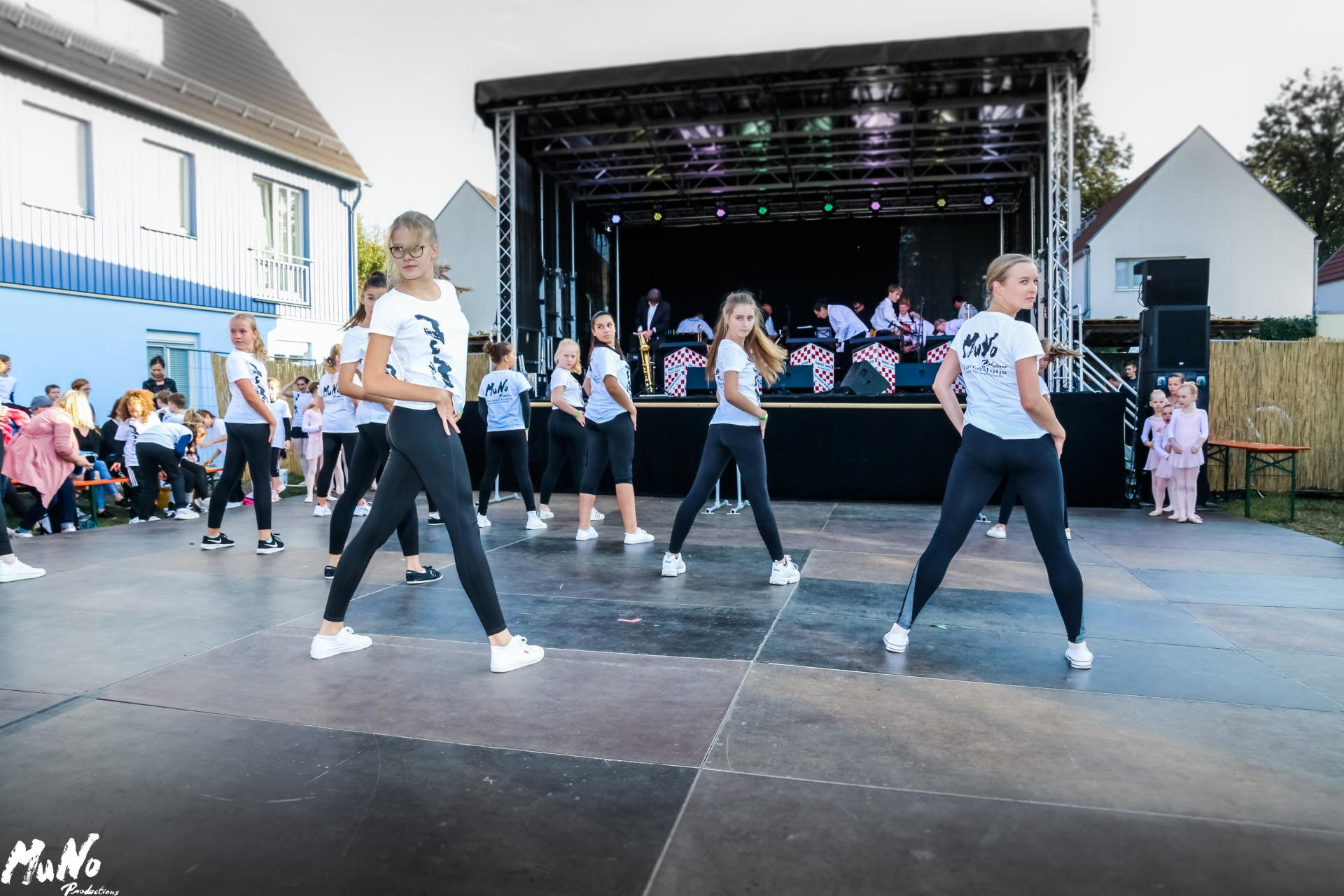 MuNo-DanceStudio Weinfest 2019 (8)